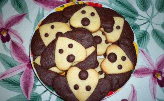 Песочное новогоднее печенье-собачки