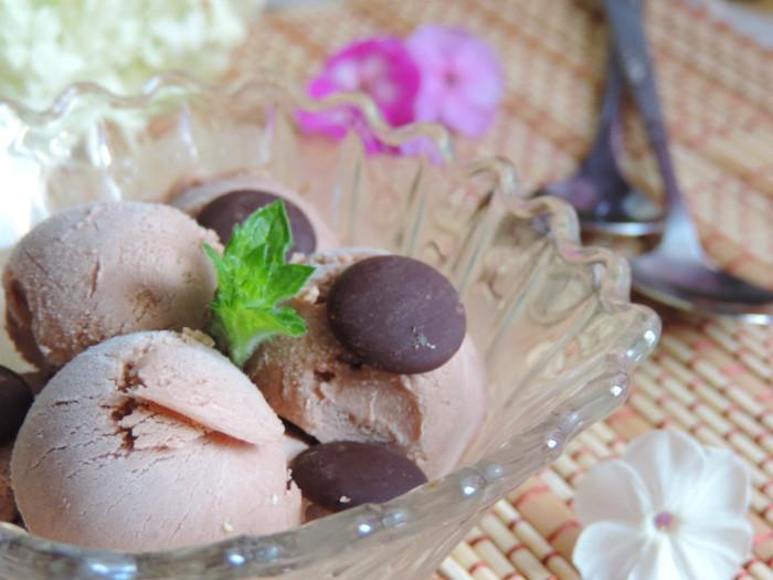 Арахисово-шоколадное домашнее мороженое без яиц