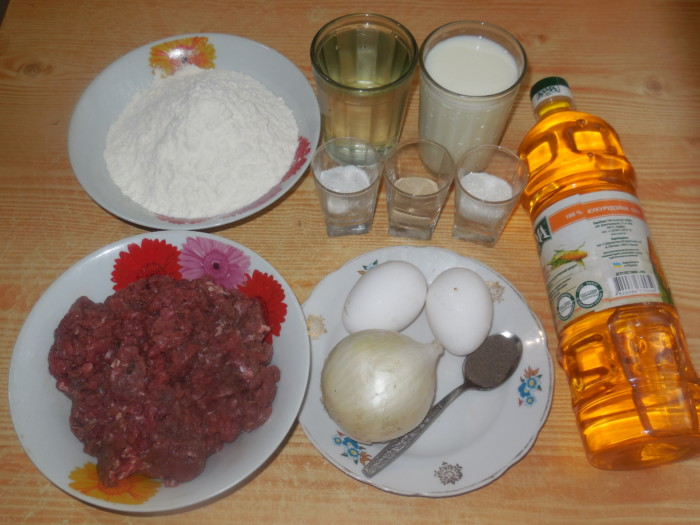 Кайнары – вкусные татарские лепешки с бараниной в духовке.