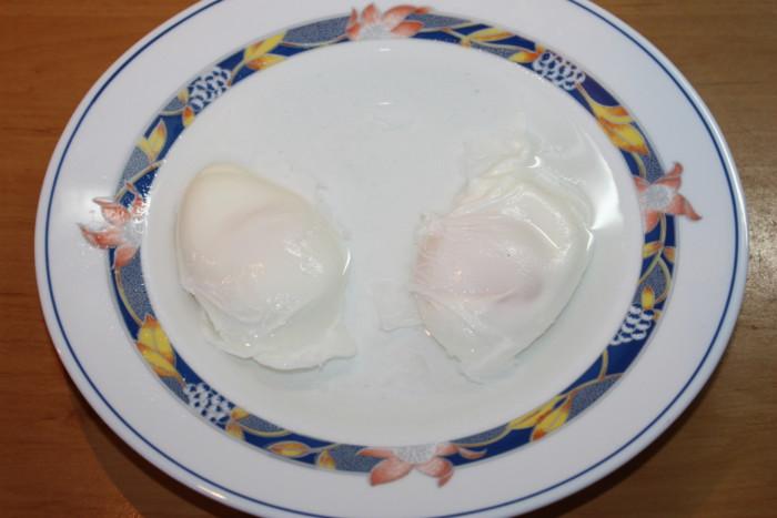 Приготовление яйца пашот дома в воде без уксуса