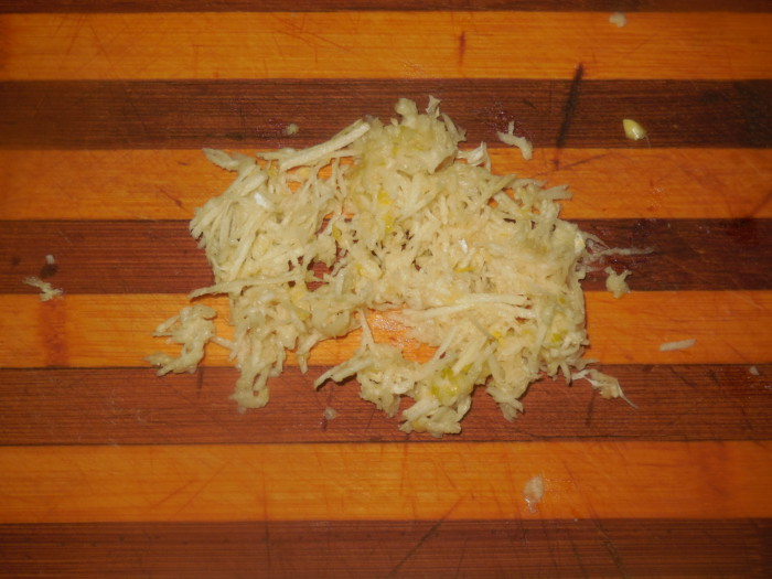 Слоеный салат Собачья лапа