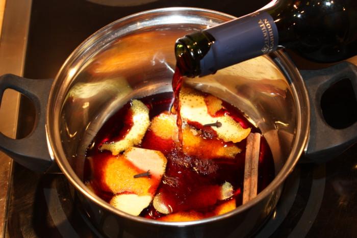 Грушевый глинтвейн из красного сухого вина