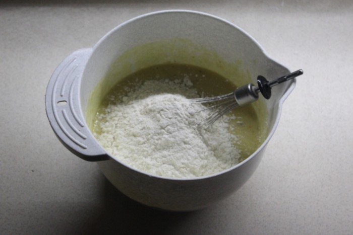 Банановый кекс в духовке - простой и вкусный
