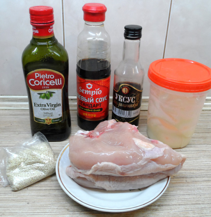 Вкусное куриное филе с кунжутом и соевым соусом