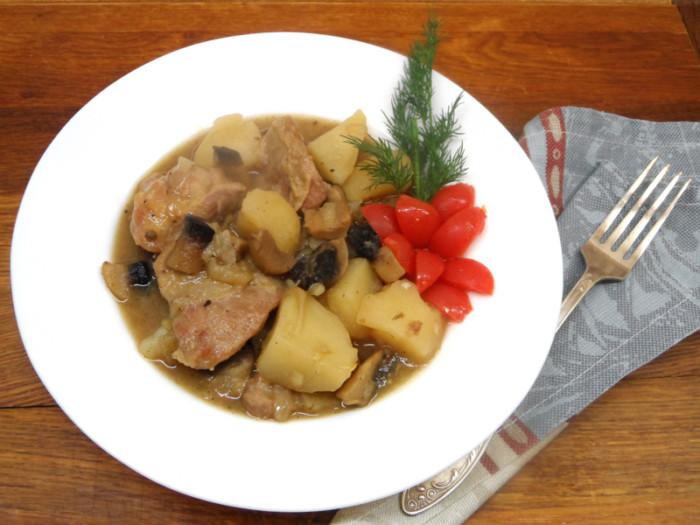 Жаркое с мясом, грибами и картошкой - необычные зразы а-ля Нельсон по-французски