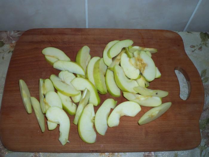 Дрожжевой яблочный пирог Роза