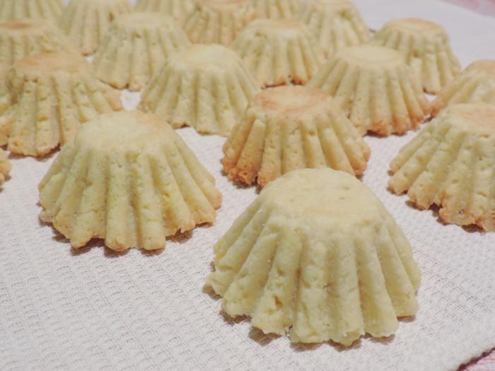 Корзиночки из песочного теста с заварным кремом на сметане
