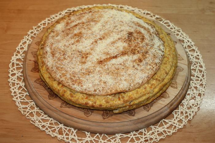 Мясной пирог из лаваша с курицей и сыром в духовке