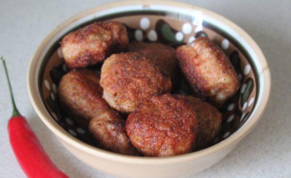 Куриные крокеты с маслом в хрустящей панировке