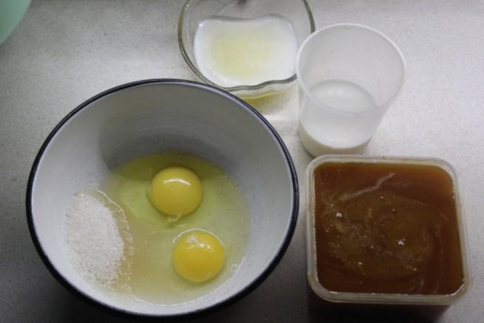 Простой медовый кекс с имбирем