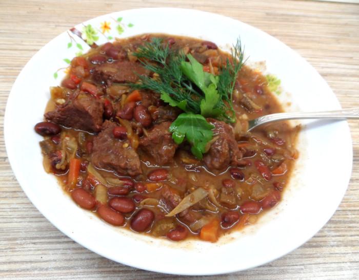 Классический Чили кон карне - густой мексиканский суп