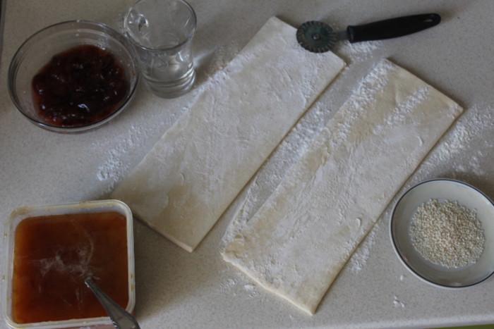 Домашние круассаны с начинкой из сливового джема