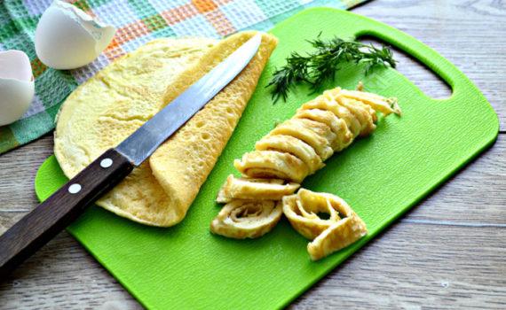 Яичные блинчики для салата с крахмалом и майонезом