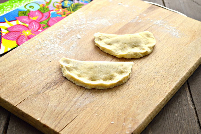 Жареные булочки на сковороде