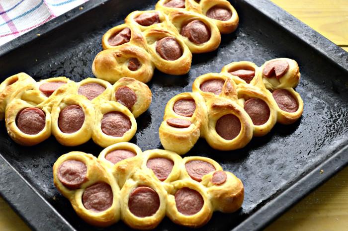 Красивые сосиски в тесте - вкусные и оригинальные