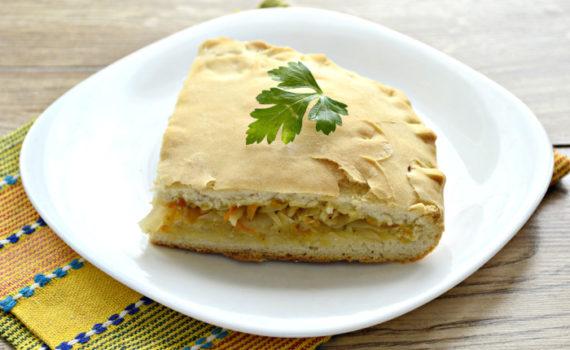 Дрожжевой постный пирог с капустой в духовке