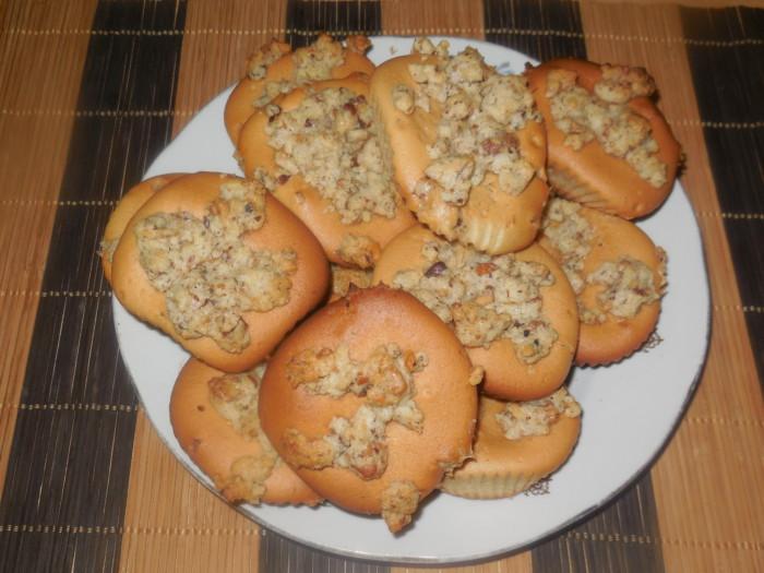 Сметанные кексы с орехами в формочках - простые и вкусные