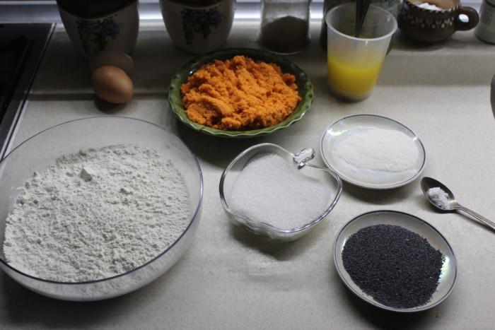 Морковный кекс с маком