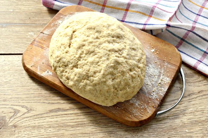 Дрожжевое тесто из цельнозерновой муки для пирогов и пирожков