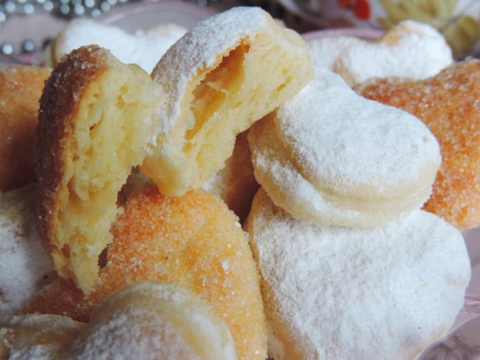 Печенье из слоеного дрожжевого теста быстрого приготовления