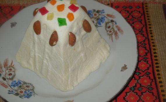 Сырая творожная пасха без яиц - со сгущенкой и сливками