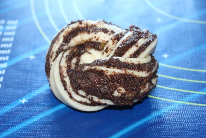 Вкусные маковые булочки с начинкой