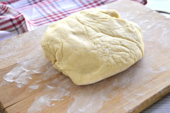Пирожки с мясом из дрожжевого теста
