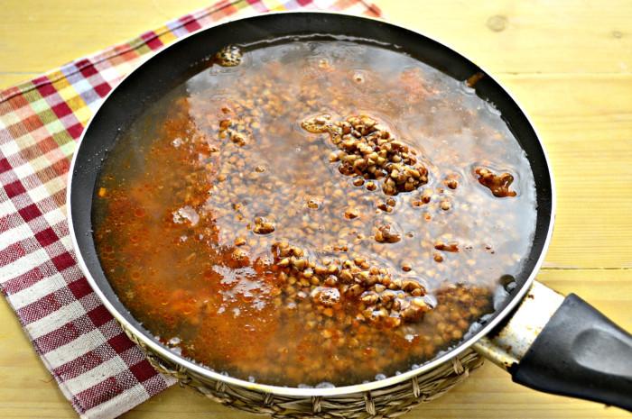 Гречка с фаршем на сковороде - вкусно и быстро