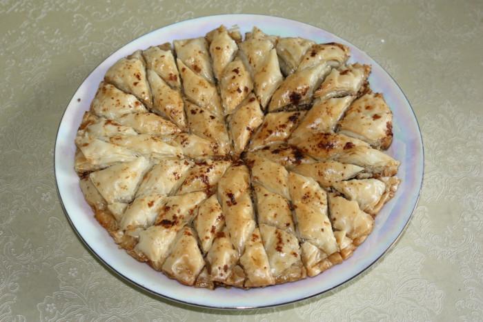 Домашняя пахлава с грецкими орехами в цитрусовом сиропе