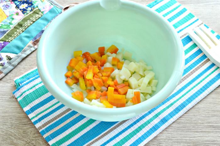 Картофельный салат с кальмарами консервированными