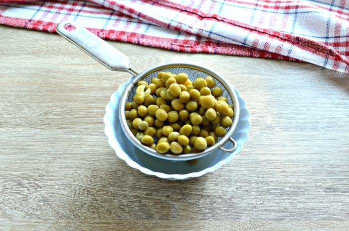 Щи из свежей капусты с горошком консервированным