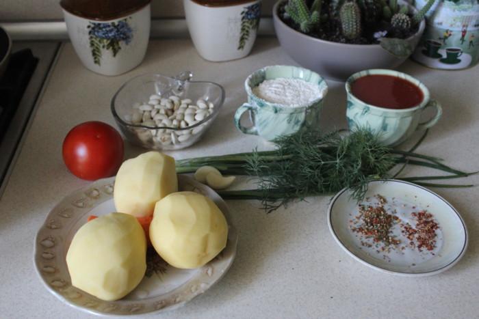 Чорба с фасолью и куриными фрикадельками
