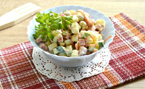 Оливье с корейской морковью и свежим огурцом - оригинальный и вкусный салат