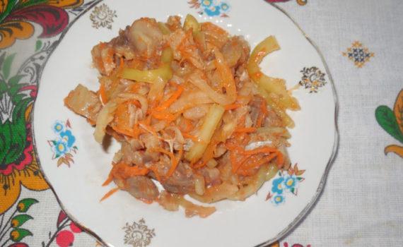 Корейский салат Хе из рыбы с морковью и овощами