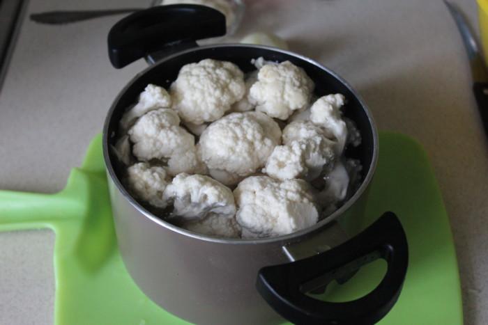 Тушеная цветная капуста в сметане - просто, быстро и вкусно