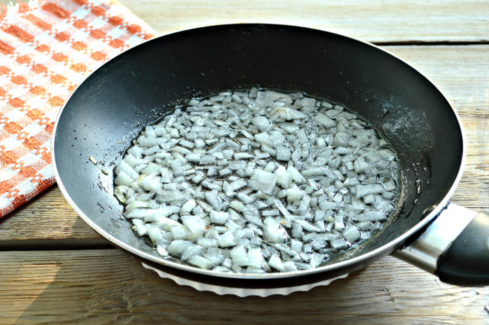 Тушеные баклажаны с овощами на сковороде или соте из баклажан