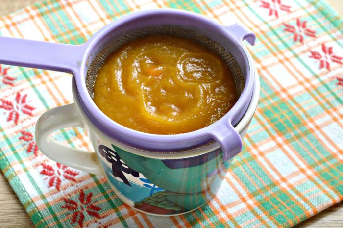 Домашнее детское пюре из кабачка и моркови для прикорма ребенка