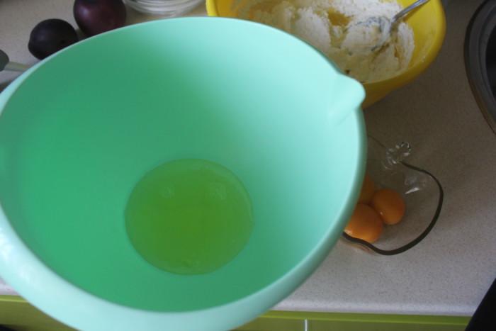 Львовский сырник в духовке -творожный пирог с персиками