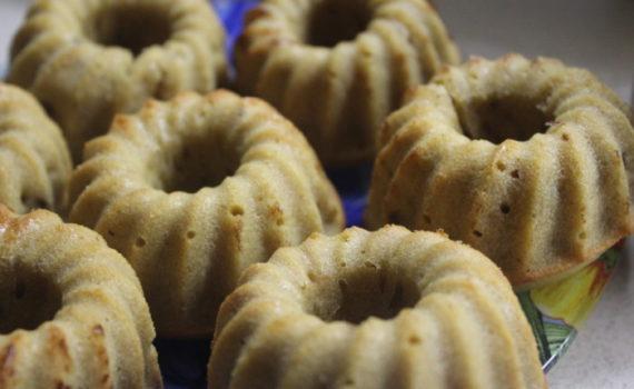 Медово-кофейные кексы на кефире - вкусные и простые