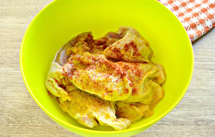 Вкусный куриный шашлык в майонезе в духовке
