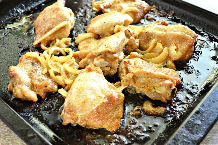 Шашлык из курицы в духовке на противне - вкусный и сочный