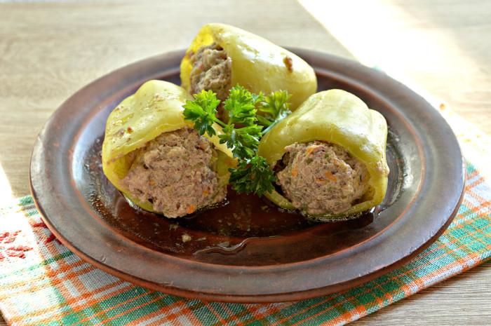 Болгарский перец фаршированный мясом и кабачками - необычный рецепт
