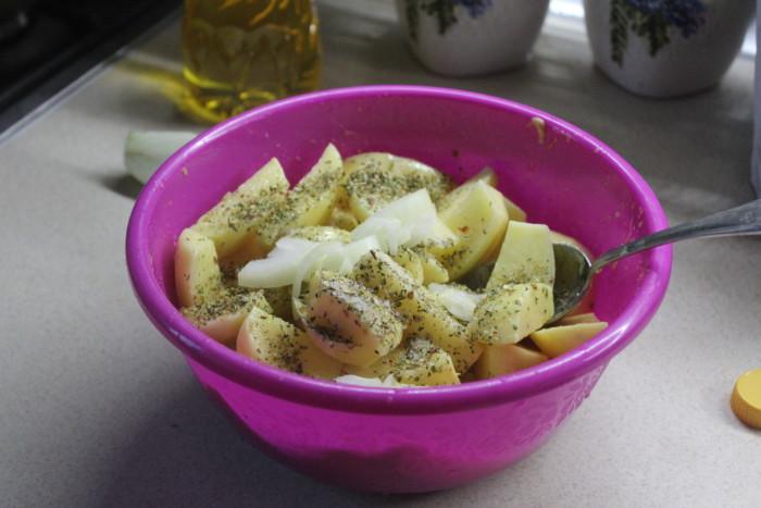 Картошка с медом и горчицей запеченная в рукаве