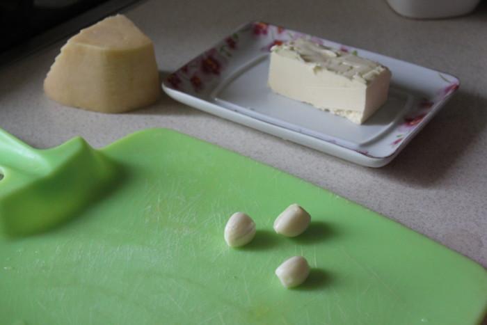 Быстрая закуска из шампиньонов с сыром