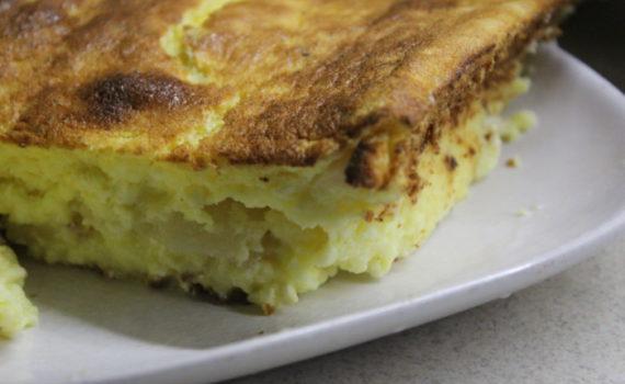 Творожный кекс с грушей и ванилью в духовке