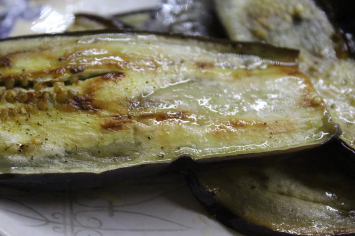 Баклажаны по-грузински с грецкими орехами, чесноком и зеленью - Нигвзиани бадриджани