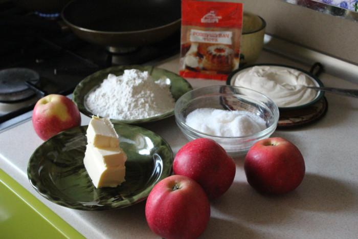 Цветаевский заливной пирог с осенними яблоками
