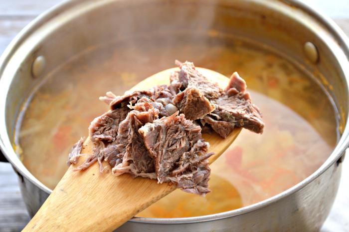 Щи из свежей капусты с говядиной и рисом - вкусный диетический капустный суп