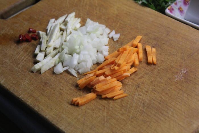 Вермишелевый суп с курицей с картошкой