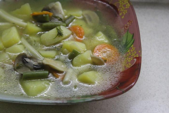 Овощной суп со стручковой фасолью без мяса - простой, вкусный и диетический